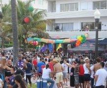 迈阿密偶遇同性恋聚会